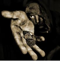judas-entrego-al-senor-a-cambio-de-unas-monedas-practica-que-se-sigue-realizando-en-la-actualidad-por-los-hombres-_446_450_5309